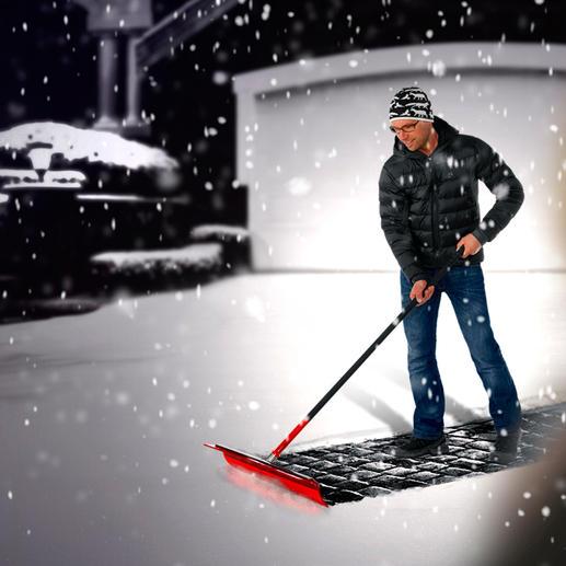 Schneeade® Der bessere Schneeschieber: perfekt auch für Laub, Kehricht, Wasser.
