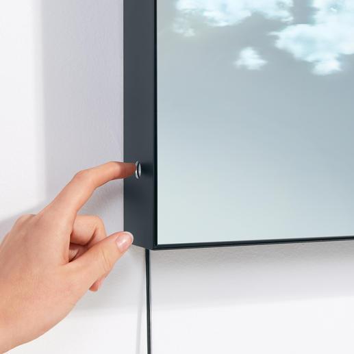 Der Touchsensor zum Dimmen befindet sich am Rahmen.