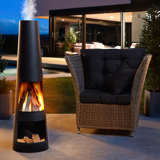 Terrassenkamin Stilvoller Kamin. Behagliches Holzfeuer. Und umlagerter Treffpunkt auf Ihrer Terrasse.