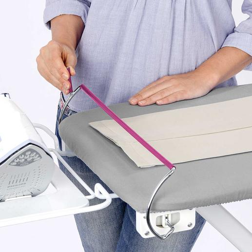 Selbst schwierige Ärmel bügeln Sie mit dem Ärmel-Fix (separat erhältlich)  mühelos knitterfrei.