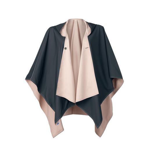 Den modischen Regenponcho gibt es auch in Beige/Schwarz.