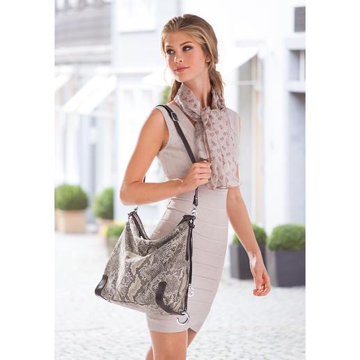 Reptil-Look Hobo-Bag Die luxuriöse Optik von Pythonhaut – kunstvoll geprägt und nicht bedruckt. Auf softem Rindleder.