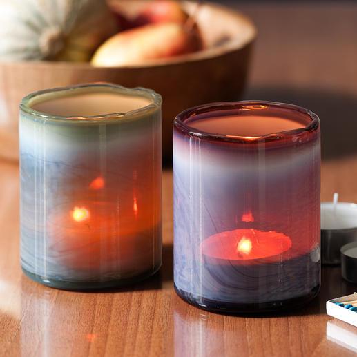 Wolkenglas-Windlichter, 2er-Set - Aufwändig verschmolzene Farbstränge lassen die Windlichter in geheimnisvollem Licht- und Schattenspiel leuchten.