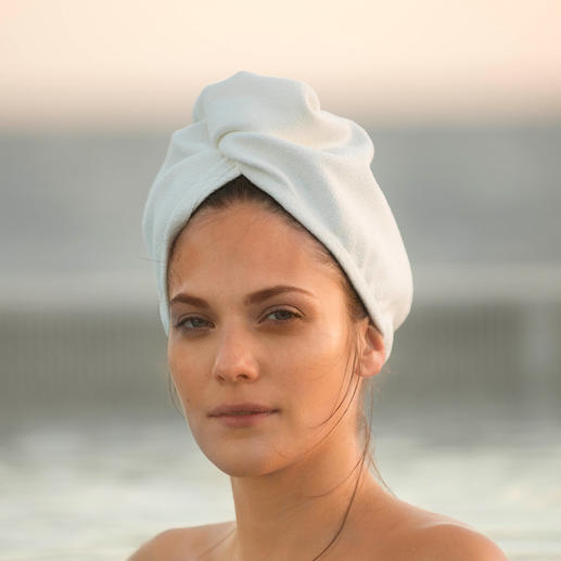 Aquitex® Hair Turban - Dieser samtweiche Turban trocknet Ihr Haar schneller als ein Baumwollhandtuch. Und viel schonender als Heissluft.