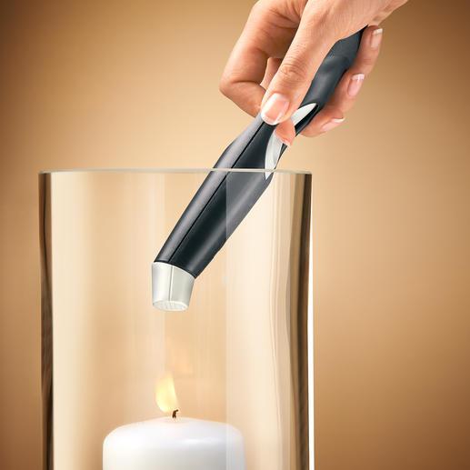 Die 360° drehbare Winkeldüse lässt Sie auch schwer zugängliche Kerzen erreichen.