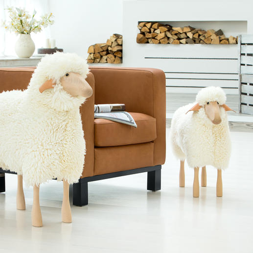 Schafe in Lebensgrösse Designobjekt, Sitzplatz, liebenswerter Hausgenosse: die Schafskulpturen in Lebensgrösse.