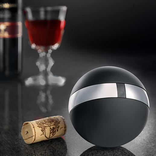 Rosendahl Weinkugel Die ästhetische Kugel ist Korkenzieher, Folienschneider, Kapselheber und Flaschenverschluss in einem.