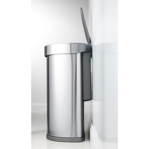 Mit innenliegendem Scharnier bequem direkt an die Wand zu stellen – ohne Verschmutzungen oder unschöne Abriebspuren des Deckels.