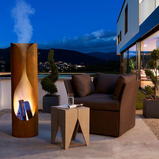Mit prasselndem Feuer und der sich durch Wärme verfärbenden Aussenhaut besonders eindrucksvoll auch bei Dunkelheit.
