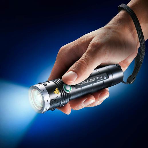 Ledlenser MT10 Outdoor 13 cm kurz. 156 g leicht. Mit LED-schonendem Softstart, enormen 1.000 Lumen und bis zu 180 m Leuchtweite.