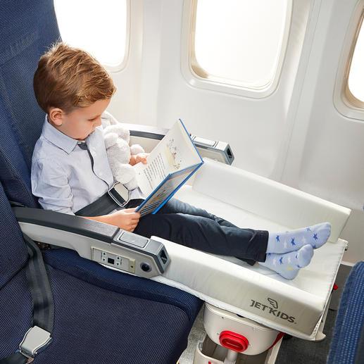 Lässt Ihr Kind viel gemütlicher sitzen –ohne in der Luft baumelnde Füsse.