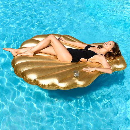 Goldene Muschel - Ihr stylishes Sommer-Accessoire in Luxus-Version. Zum Sonnen und Entspannen, am Strand und im Pool.