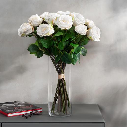 Rosenstrauss Avalanche Unvergängliche Schönheit: das Bouquet de luxe mit 22 üppigen, weissen Avalanche-Rosen.