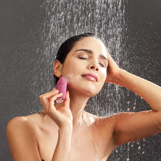 Beurer Gesichtsbürste FC 49 Modernste Vibrationstechnologie fördert ein ebenmässiges Hautbild und aktiviert die Blutzirkulation.