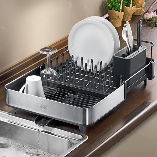 Ausziehbarer Abtropfkorb Platzsparend kompakt. Doch bei Bedarf mit einem Griff fast doppelt so gross: ideal auch für den grossen Abwasch und sperrige Teile.