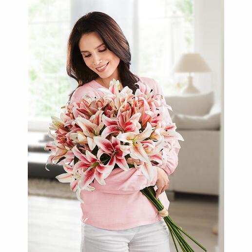 Lilienstrauss Stolze Schönheit, die nie verblüht: das Bouquet aus 12 langstielig eleganten Lilien.