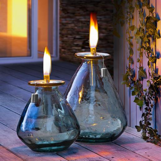 Öllampe aus Recycling-Glas Robust genug für den ganzjährigen Outdoor-Einsatz: Die Öllampe aus recyceltem Glas.