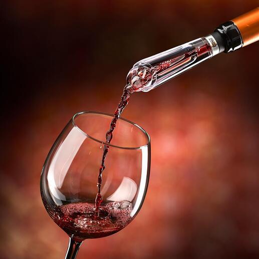 """Der Testsieger* unter den Dekantierern. Zugleich tropffreier Ausgiesser. """"... belüftet den Wein deutlich sicht- und schmeckbar"""" – so das Fazit der Haus & Garten Test (Ausgabe 4.2020)."""