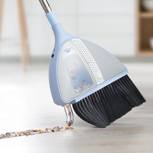 Zum Aktivieren der Saugfunktion einfach Saugrohr leicht gegen den Boden drücken.