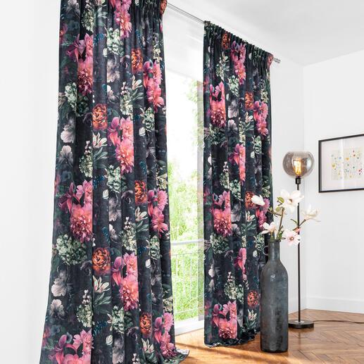 Vorhang Verona - 1 Stück Geheimnisvolle Blüten von barocker Pracht – zeitgemäss digital gedruckt auf samtigem Flor.