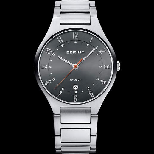 Bering Titanium-Armbanduhr - 42 % leichter als Edelstahl und deutlich kratzfester. Die klassisch-sportive Titanium-Uhr von Bering/Dänemark.