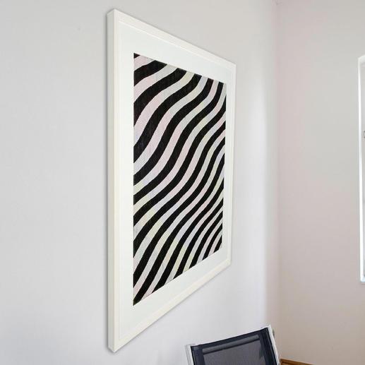 Betrachten Sie das Bild von links: Sie sehen ein schwarz-weisses Linienraster.