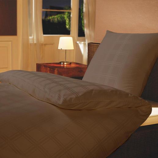 Mikrofaser-Damastbettwäsche Umhüllt Sie seidenzart, mit optimalem Schlafklima.