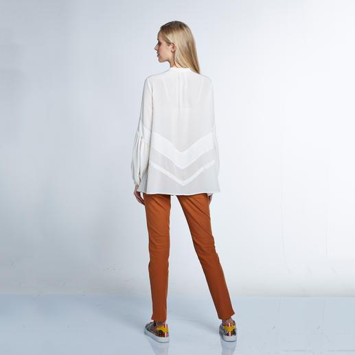 Sly 010 Stretchseiden-Tunika, Cremeweiss Trend Hippie-Bluse. Die von Sly 010 ist aus reiner Seide – selten edel und elegant.