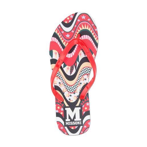 M Missoni Strand-Flips Die original M Missoni Strand-Flips runden das Designer-Urlaubs-Outfit stilvoll ab.