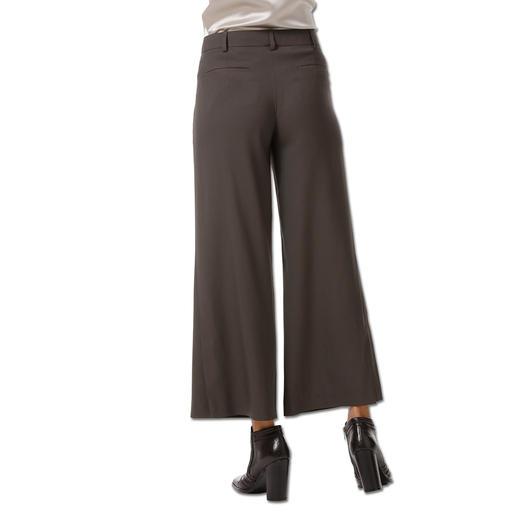Strenesse Stretchseiden-Bluse, Seiden-Baumwoll-Pullover oder Wide-Leg-Pants Auf dem Fashion-Radar: Oliv. Bei Strenesse ganz ohne Army-Attitude.