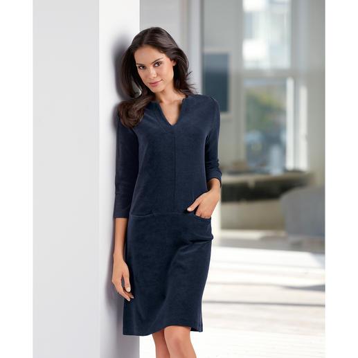 Frottier-Relax-Kleid Bequem wie ein Homesuit. Aber viel charmanter. Das unkomplizierte Frottier-Kleid.