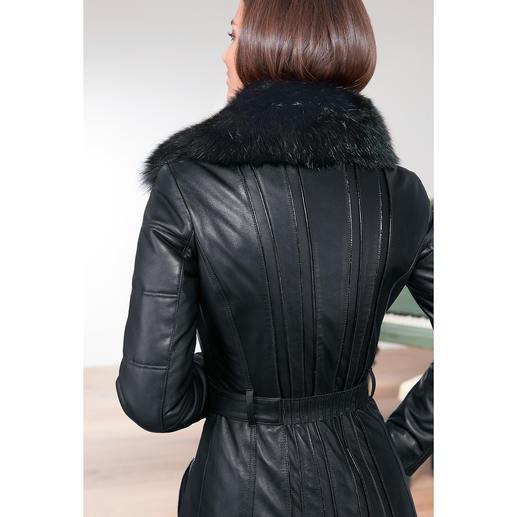 Versace Collection Lammleder-Bikermantel Versaces Biker-Trend de luxe: Feminin sexy. Modisch rockig. Und winterwarm.