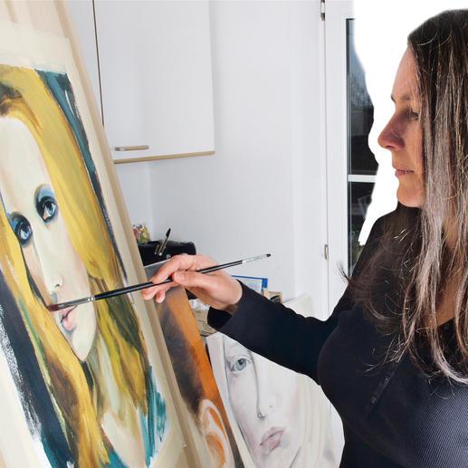 Szvath Portrait-Tuch Exklusive Portrait-Kunst zum Anziehen. Heute Fashion-Trend. Morgen begehrtes Sammlerstück. Von Zsuzsa Szvath.