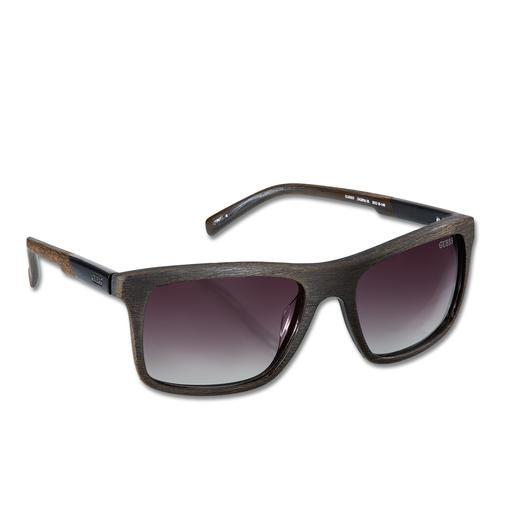 """Guess Sonnenbrille """"Wood-Look"""" Die erschwingliche Designerbrille von Guess, USA. Nobel und trendgerecht: matter Holz-Look statt glänzendem Kunststoff."""