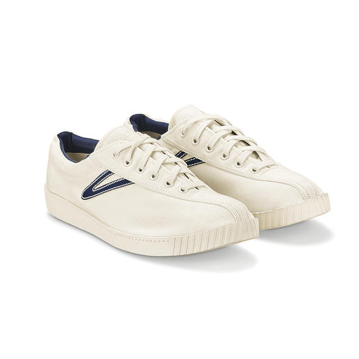 Tretorn Nylite Canvas-Sneaker für Damen oder Herren - Modische Sneakers gibt es viele. Der Nylite ist der ewige Kult-Klassiker. Designt in Schweden. Gefeiert in den USA.