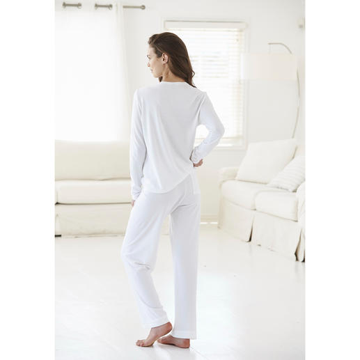 Cornelie Weiss Loungewear-Anzug Perfekt für den Sommer: der weisse Loungewear-Anzug aus luftigem Baumwoll/Modal-Piqué.