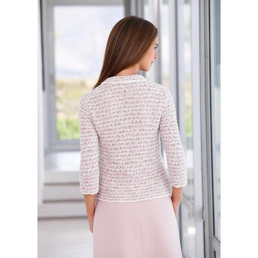 ANNECLAIRE Bouclé-Cardigan, Creme/Rosé/Hellgrau So bequem und sommertauglich kann eine elegante Bouclé-Jacke sein. Gestrickt aus luftiger Baumwoll-Mischung.
