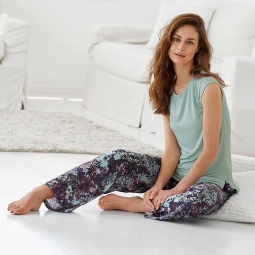Tatà Pyjama - Exquisites Duo: streichelzartes MicroModal®-Shirt + seidig fliessende´Viskose-Hose.