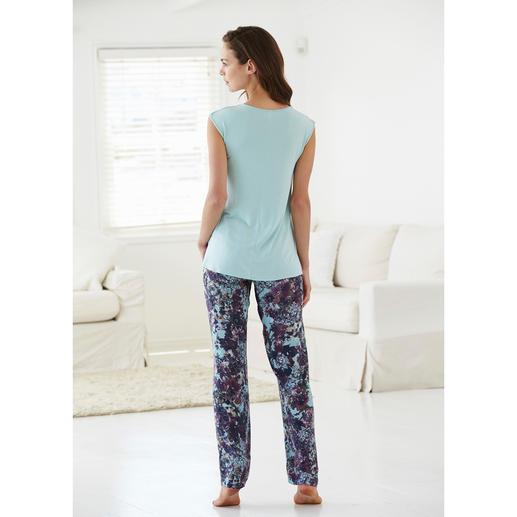 Tatà Pyjama Exquisites Duo: streichelzartes MicroModal®-Shirt + seidig fliessende´Viskose-Hose.