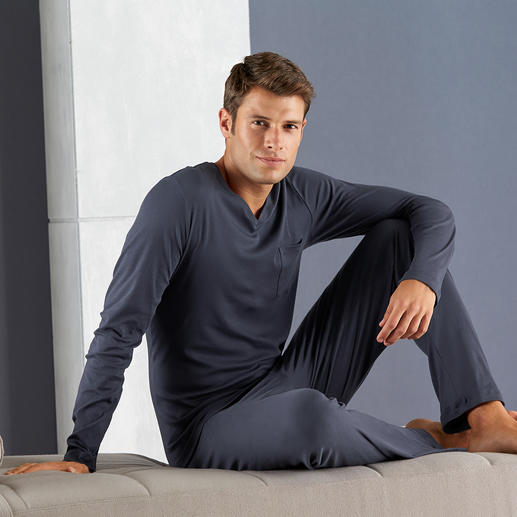 Hanro Sea Island-Pyjama Purer Luxus: der Pyjama aus der hochwertigsten Baumwollsorte der Welt.