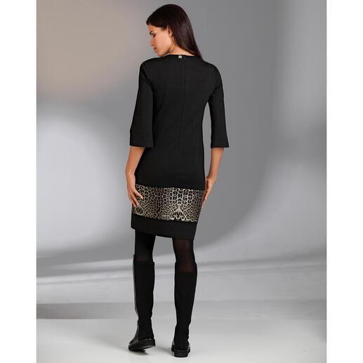 """Cavalli Reisekleid """"Leo-Print"""" Das elegante Designerkleid für jeden Tag. Knitterarm. Reisetauglich. Und sehr bequem. Von cavalli CLASS."""