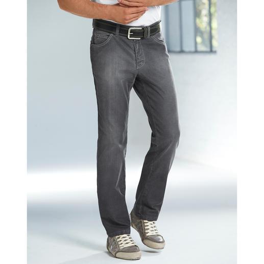 Grey-Denim-Jeans Endlich die richtige graue Jeans. Kombinierfreudig wie Indigoblau. Aber viel dezenter und seltener.