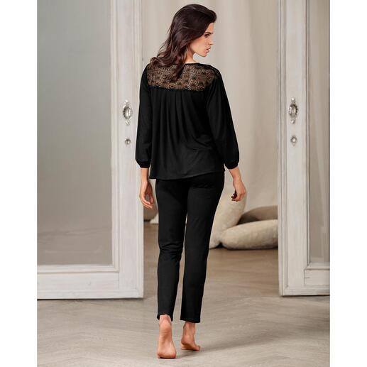 Pluto Couture-Pyjama Das Couture-Piece unter den Pyjamas. Selten feminin und elegant. Vom belgischen Lingerie-Spezialisten Pluto.