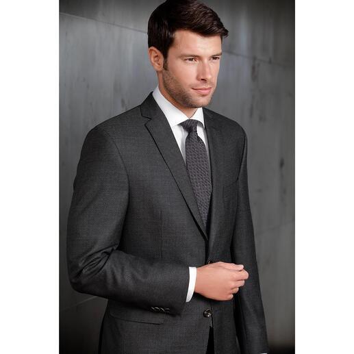 Ascot Relief-Krawatte So schlicht und doch so aussergewöhnlich: die 3D-Krawatte mit Kalander-Relief. Aus 100 % Seide.