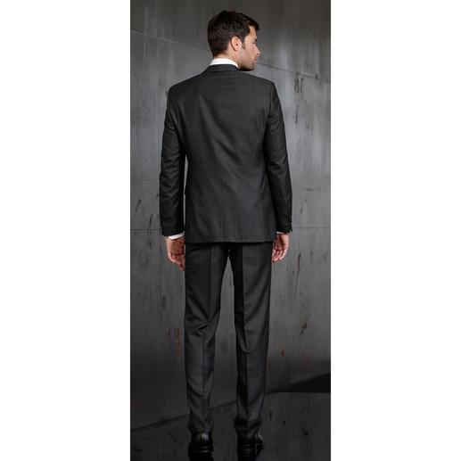 Carl Gross Seidenanzug Minimalmuster Ein modischer Anzug in Premium-Qualität muss nicht mehr als 499,– Euro kosten.