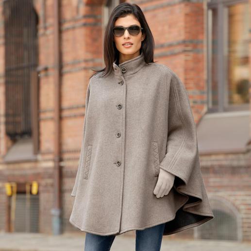 Steinbock® Doubleface-Cape - Fühlt sich flauschig weich an. Hält angenehm warm. Und sitzt perfekt auf den Schultern.