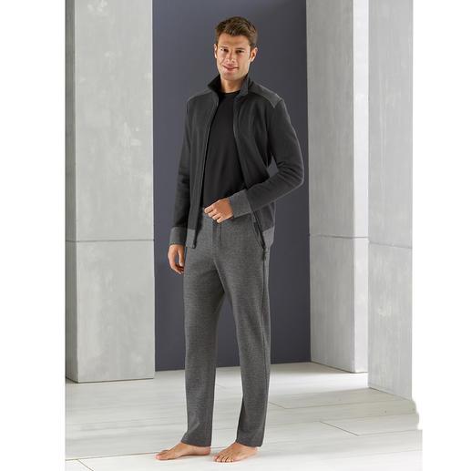 Hanro Gentleman Homesuit Der Homesuit für den Gentleman: superbequem, dabei verblüffend stilvoll. Von Hanro of Switzerland.