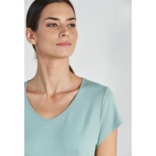Charmor Couture-Pyjama Das Couture-Piece unter den Pyjamas. Feminin. Elegant. Traumhaft weich. Seidig fliessend. (Und erschwinglich.)