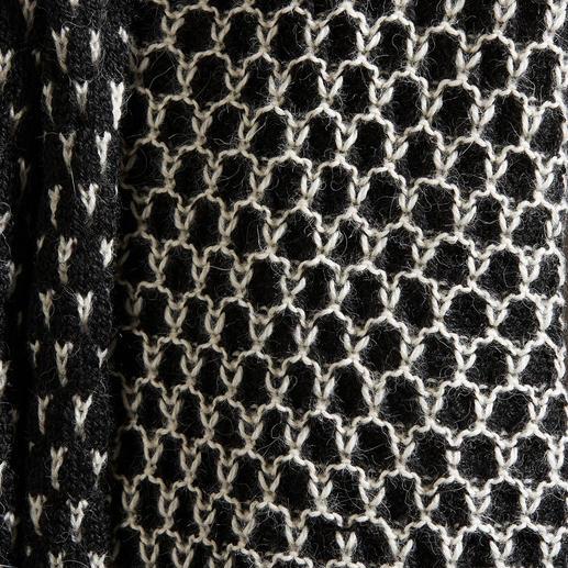Alpaka Waben-Jacke Schwarz/Weiss, Waben, Kastenform: Eine so zeitgemässe Alpaka-Jacke ist schwer zu finden. Vom Spezialisten Raffa in Peru auf Handstrickmaschinen gefertigt.