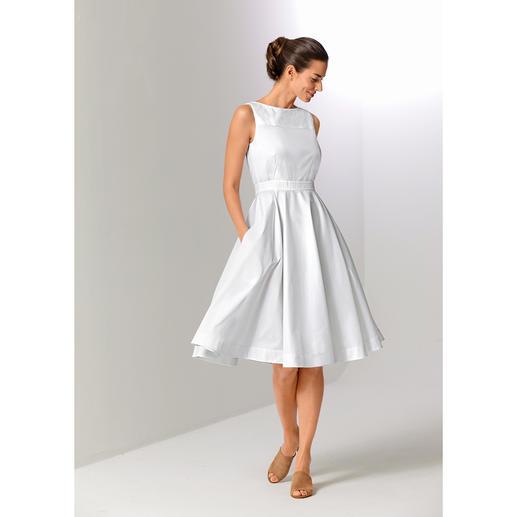 Paule Ka Couture-Kleid Die feminine Eleganz der 50ies. Neu aufgelegt vom Pariser Label Paule Ka. Das waschbare weisse Couture-Kleid aus leichtem Baumwoll-Popeline.
